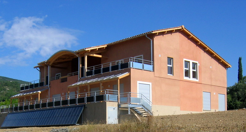 Vendu villa a peipin sisteron sud 04200 loisirs et for Jardin 04200