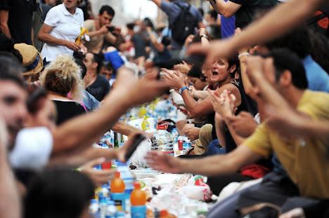 Pengunjuk rasa anti-pemerintah Turki