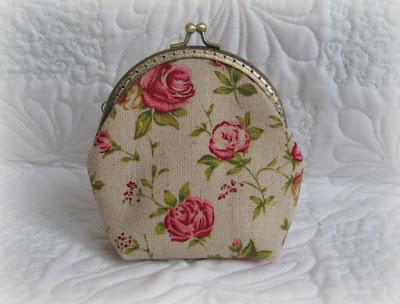 косметичка с розами