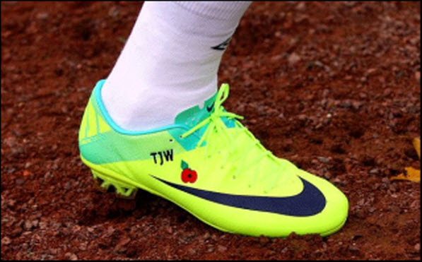 England National team to wear Poppies on their boots.