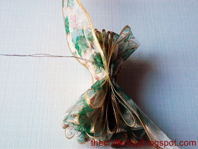 how to make a 4 loop bow with wired ribbon
