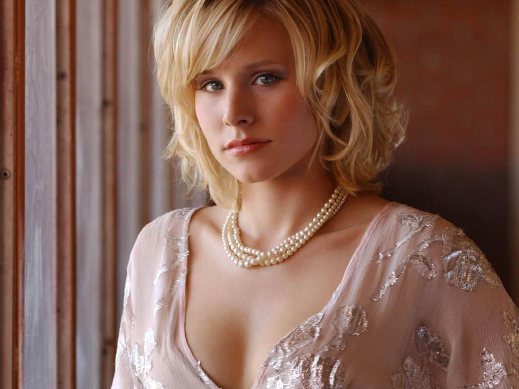 http://3.bp.blogspot.com/-gGScOthZuhU/Td-4lnrLWoI/AAAAAAAAJ24/3k9GZKWLzgQ/s1600/Kristen_Bell.JPG