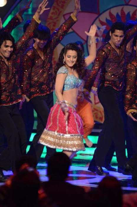 amisha patel from apsara awards photo gallery