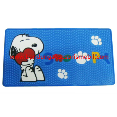 Dash Mat Snoopy in Love