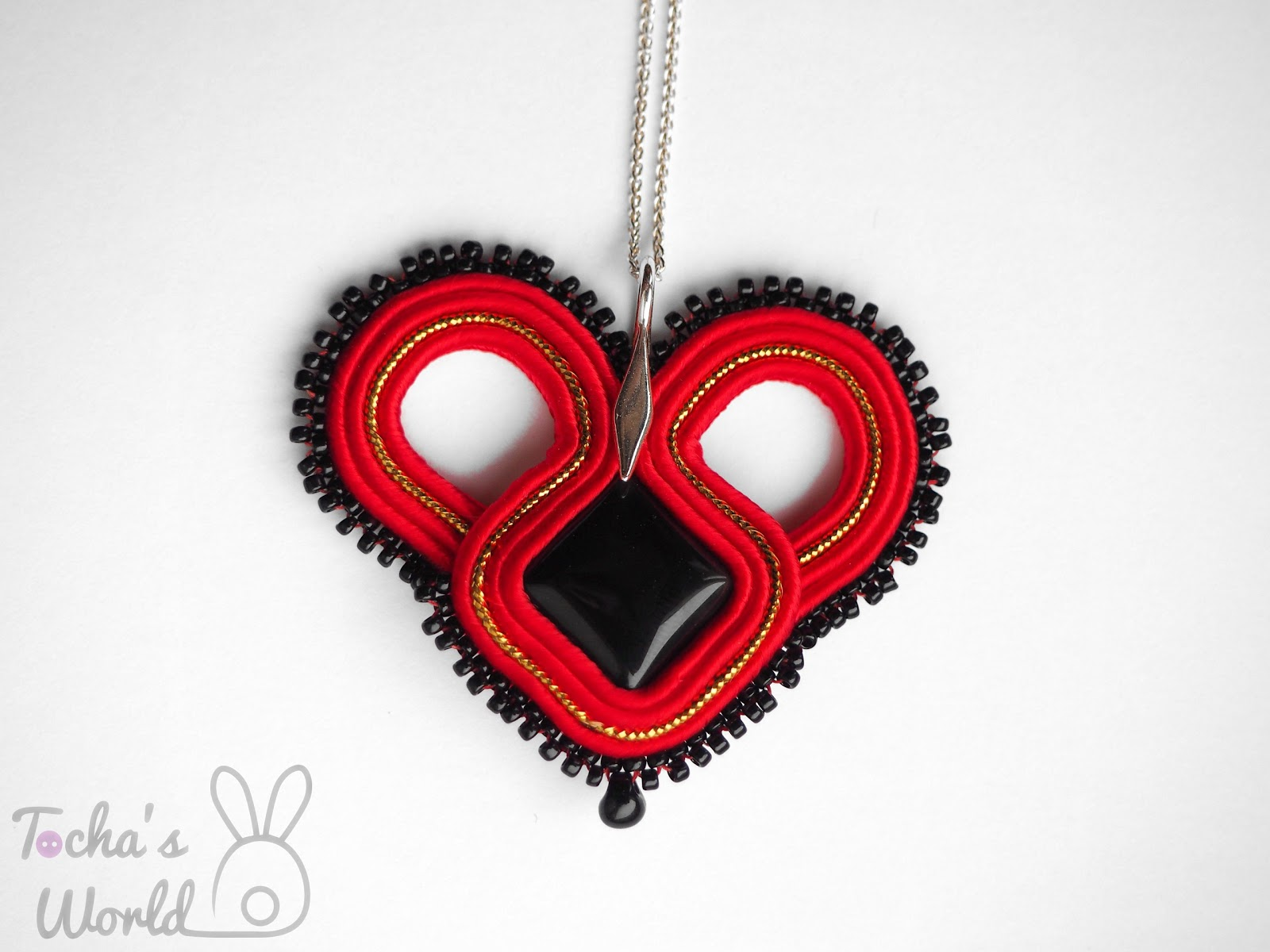 corazón, heart, pendant, strling silver, soutache, jewellery, Valentine's day, Art Village, art gallery, art, display, agate,