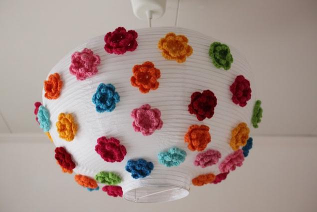 Com-flores-de-crochê
