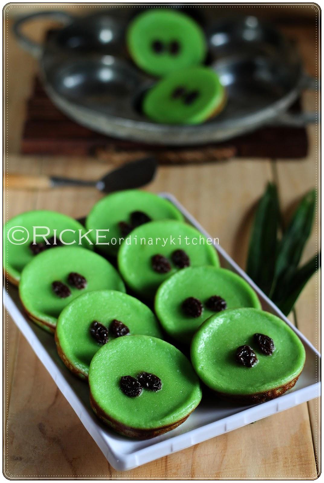 Download image Kue Lumpur Pandan Indonesian Traditional Mud Cake In ...