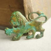 rampant lion brooch