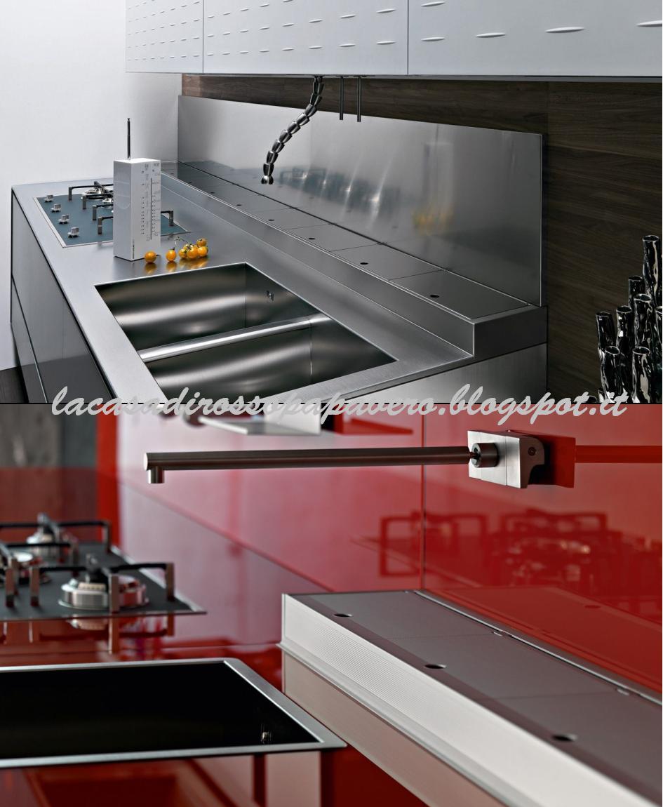 La casa rosso papavero canale attrezzato in cucina - Furgone attrezzato con cucina ...
