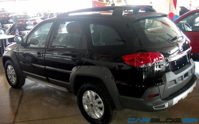 Fiat Palio Adventure 2013 - Preta