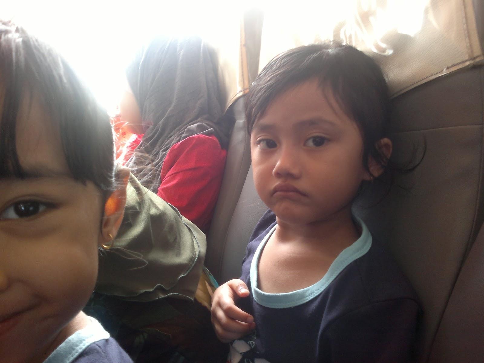 Beli  Seat Dewasa Dengan Muatan  Dewasa Iaitu Abah Ummi Nenny Dan Unty Wa Dan Dua Budak Kecik Adik Dan Kakak