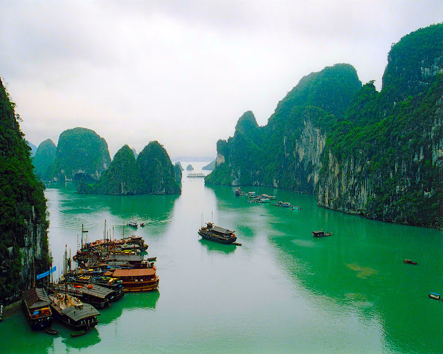 beautiful places in the world Halong Bay