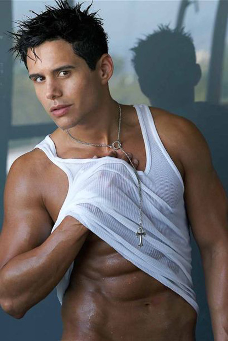 venezuelan men dating Venezuelan brides – single girls and women from venezuela seeking men venezuela is venezuelas currency is the venezuelan bolívar which has an exchange rate of aprox if you are planning to marry a venezuelan beauty, you have to learn a lot of things regarding their dating culture before you make a move.