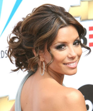 Wedding Hairstyles  2012 on Are Wedding Hairstyles For Long Hair Trends 2012 Wedding Hairstyles