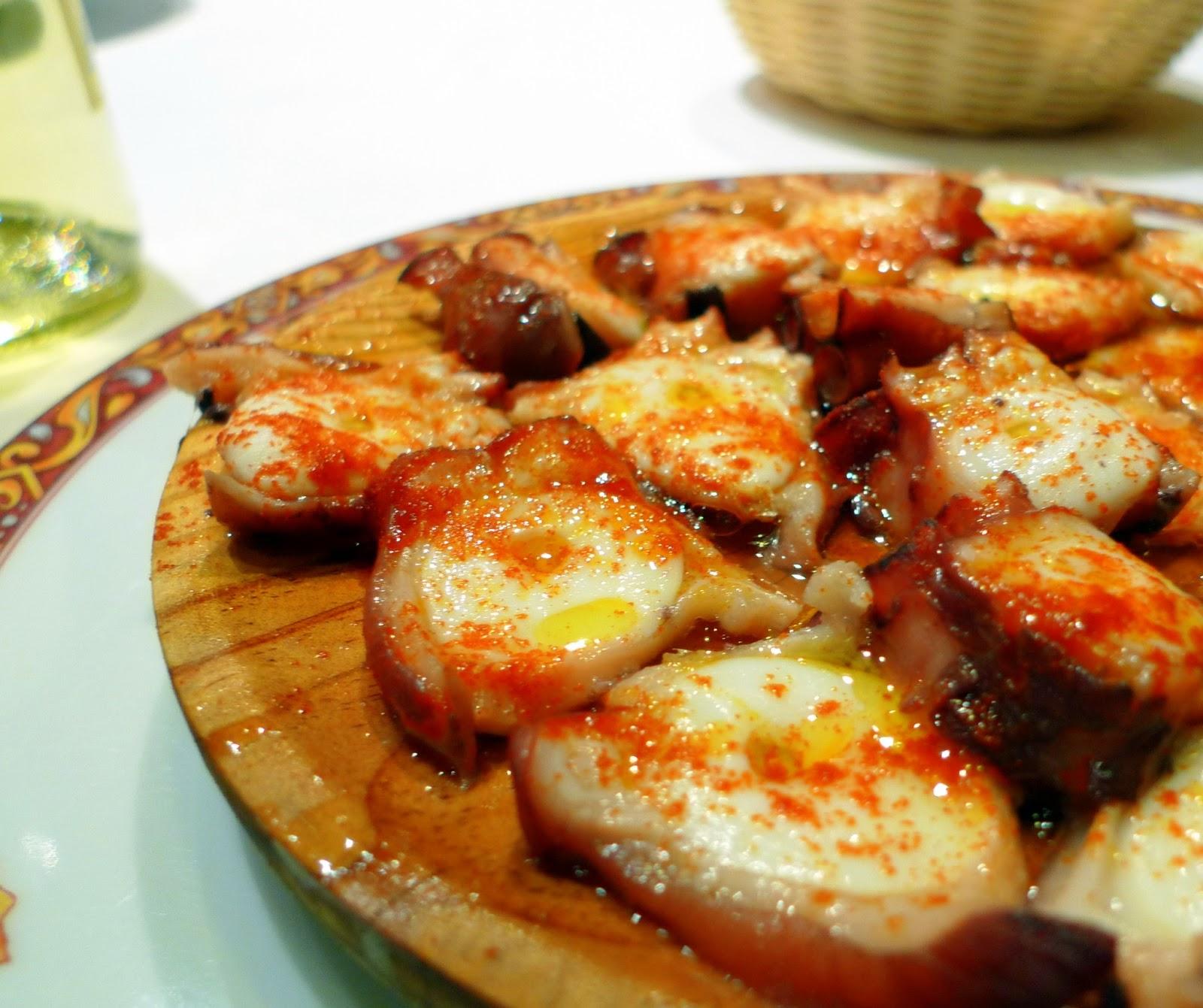 La cocina afortunada pulpo a la gallega for Cocer pulpo congelado