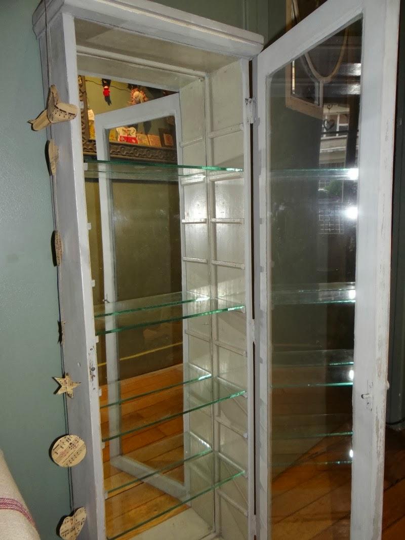 mon bazar organis ma vitrine shabby chic vendre. Black Bedroom Furniture Sets. Home Design Ideas