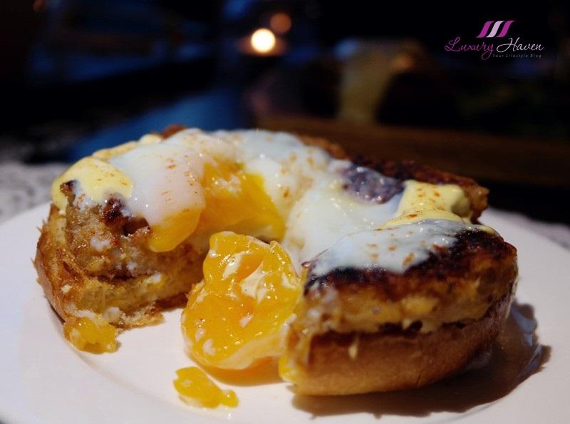 arteastiq aphrodite crab cake benedict review poached eggs