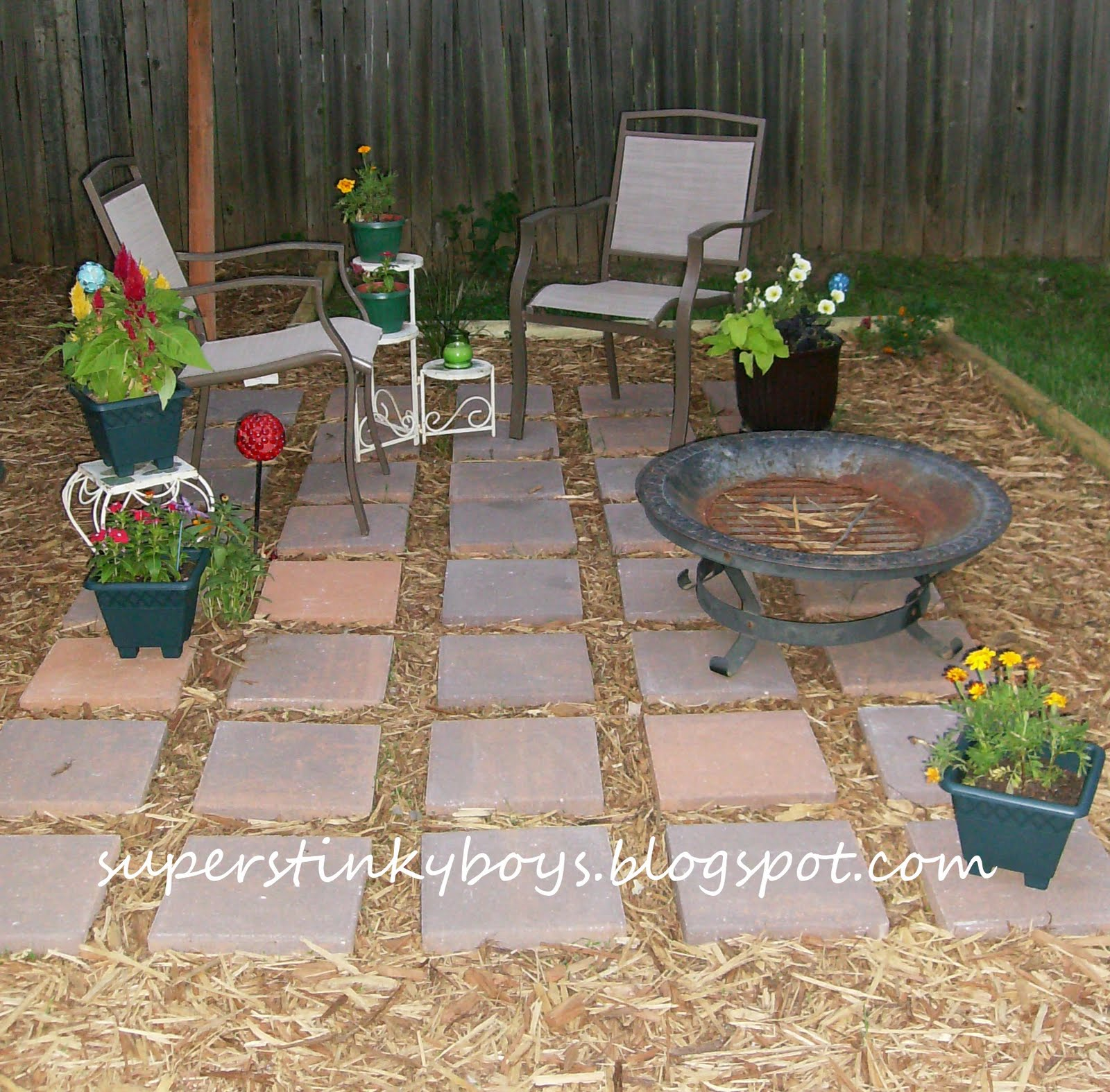 Support blog for moms of boys diy backyard oasis for Backyard ideas on a budget