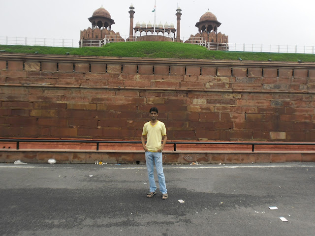 Anshu Dikshant at Red Fort, Delhi