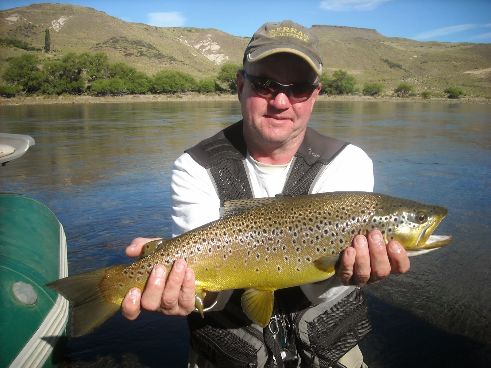 First cast fly fishing diy fly fishing patagonia for Fishing in argentina