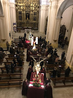 La lluvia impede la salida de la procesión de Viernes Santo