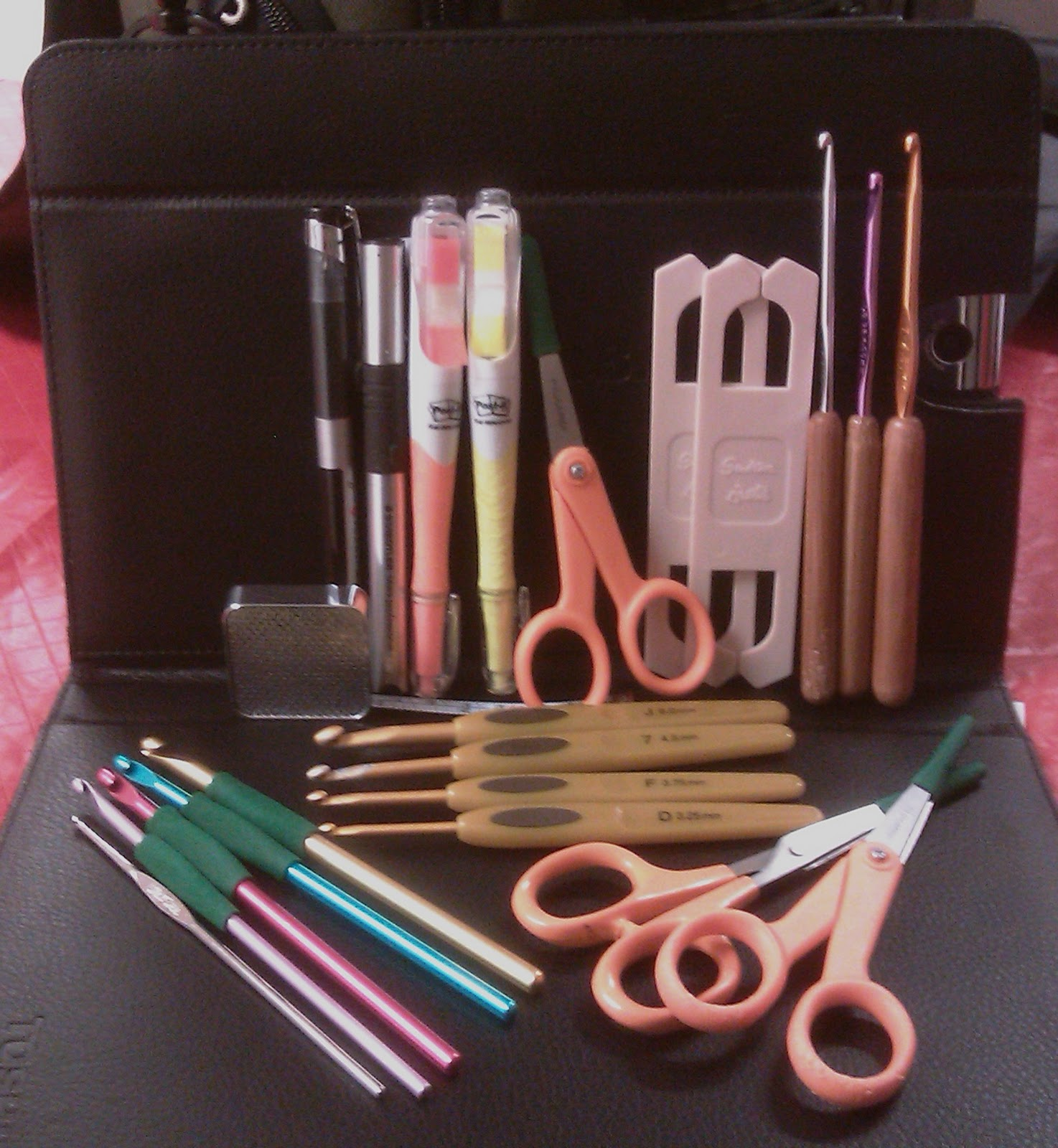 Crocheting Tools : Amigurumi Obsession by Shannon: What is in your crochet tool kit?