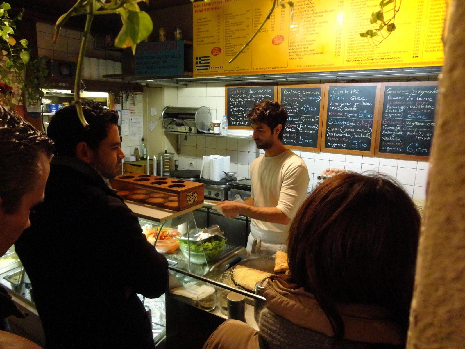 Sang ikan kecil comportements individuels et les interactions sociales la rue mouffetard paris - Restaurant la table du grec ...