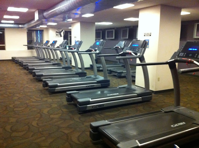 Working out in seattle seattle executive fitness before for Work out floor area