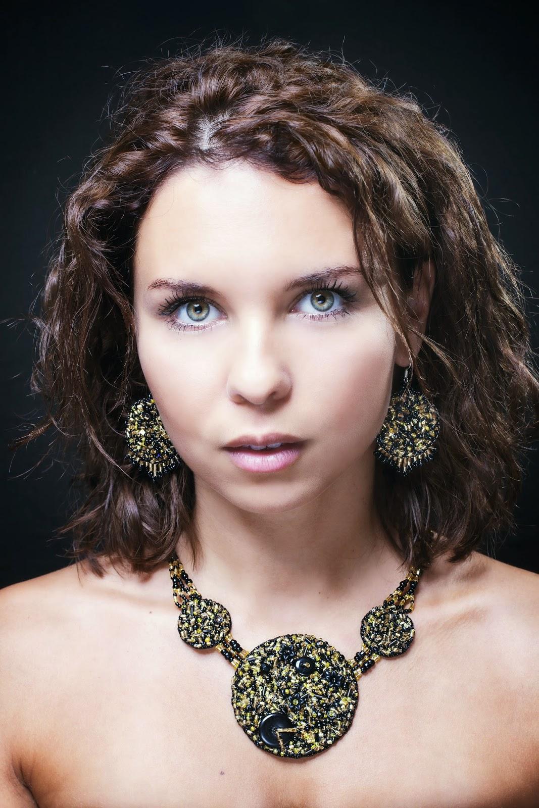créatrice bijoux brodés