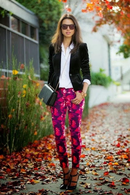 Cool black blazer with white shirt and printed pent