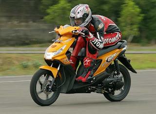 Brosur Harga Motor Honda Beat Rising Kredit/Kontan Terbaru