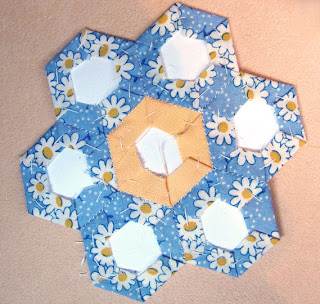 tutorial grandma's flower garden quilt, step 9