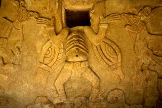 Pueblos Antiguos. Seres alados, ángeles y mensajeros de Xibalbá.