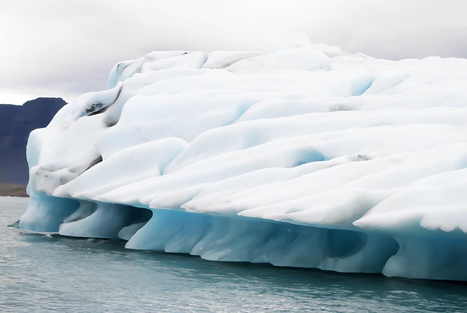 Icebergs in Jökulsárlón Glacier Lagoon in Iceland