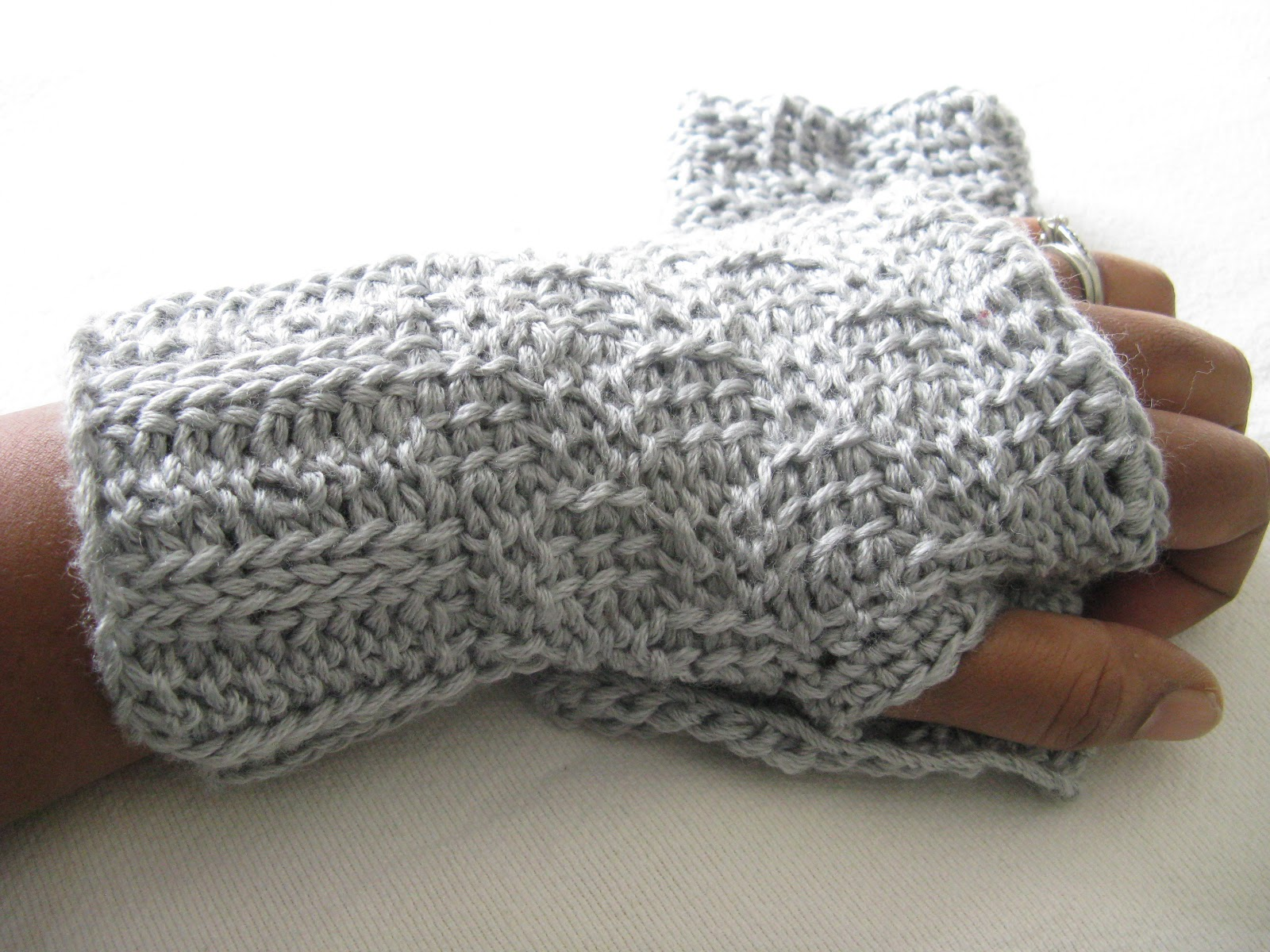 Crochet Stitches Youtube Channel : Yarn Obsession: Tunisian Crochet Basketweave Wristwarmers