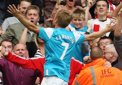 Sebastian Larsson celebrates his equaliser for Sunderland at Liverpool