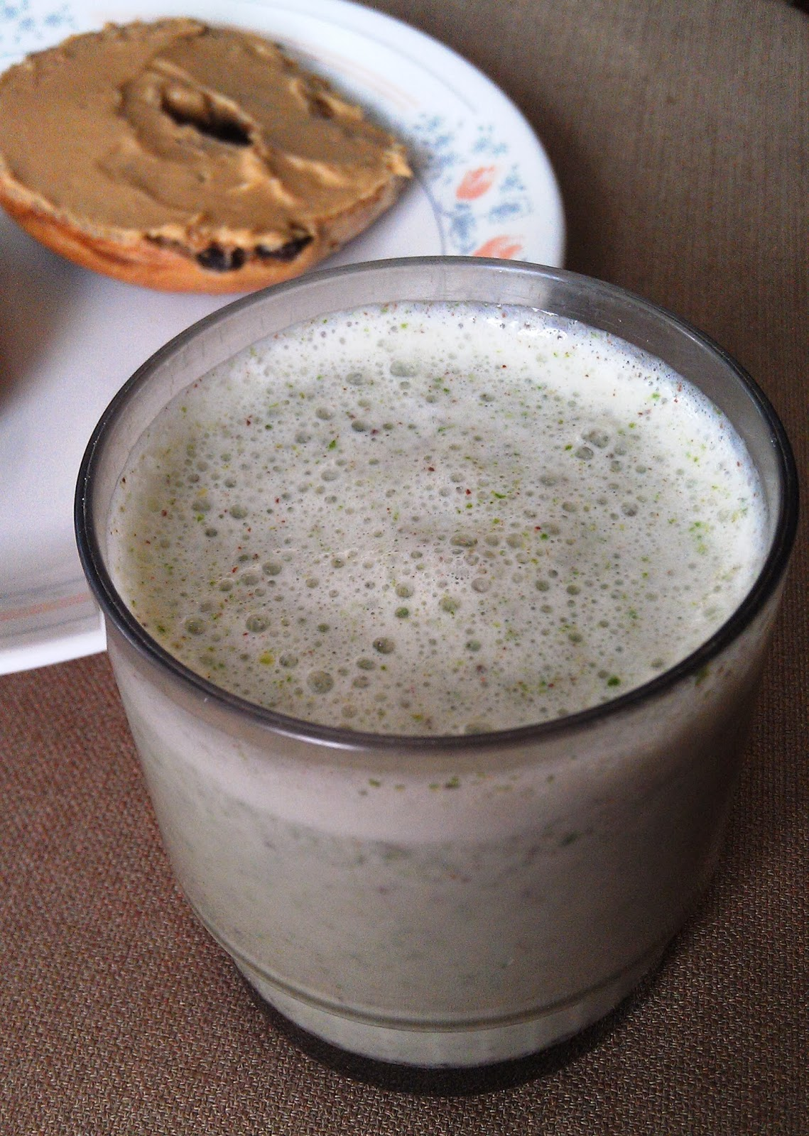 Healthy alternative and sure to satisfy your sweet tooth Mint Chocolate Chip Smoothie