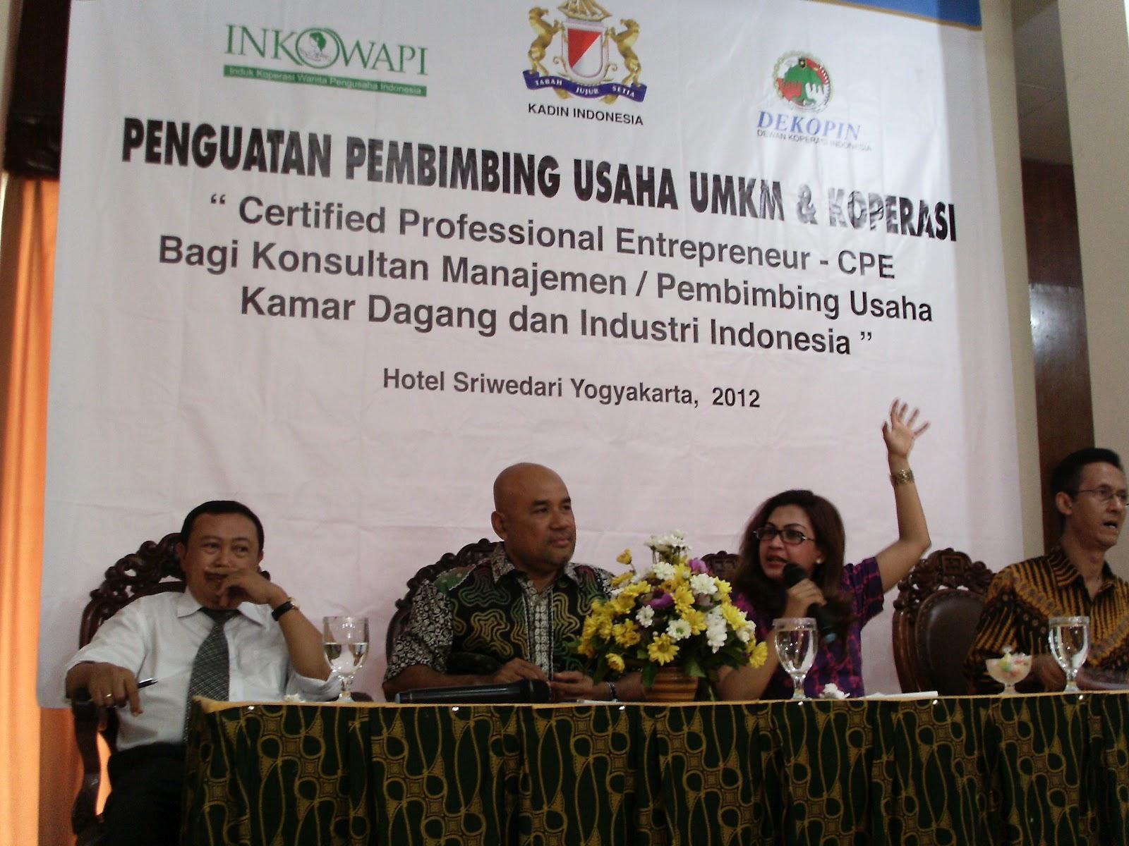 Pusat Pengembangan Umkm Jateng 2012 Produk Ukm Bumn Ikan Nila Sarmila Dari Dewan Koperasi Indonesia Memberikan Orasi Tantangan Memajukan Dan Di Ini Disampaikan Dalam Pelatihan