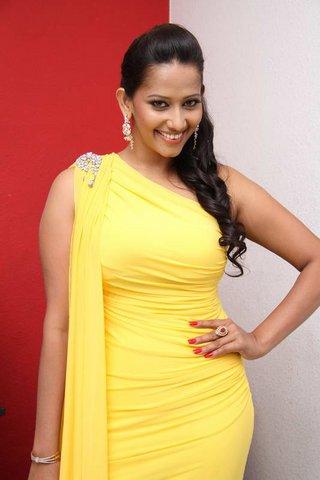 sanjana singh spicy actress pics