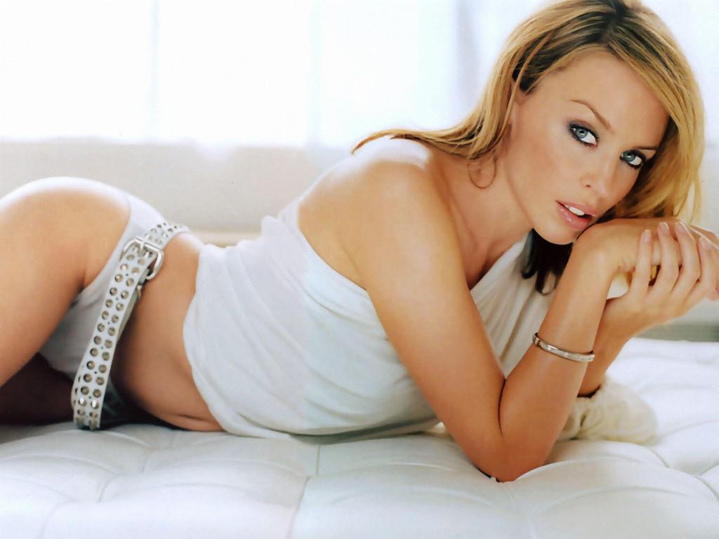 http://3.bp.blogspot.com/-gKIQ_N6s0p8/T76ILZp1VwI/AAAAAAAAAgk/v3hEpLoyocE/s1600/Kylie-Minogue-Wallpapers.jpg