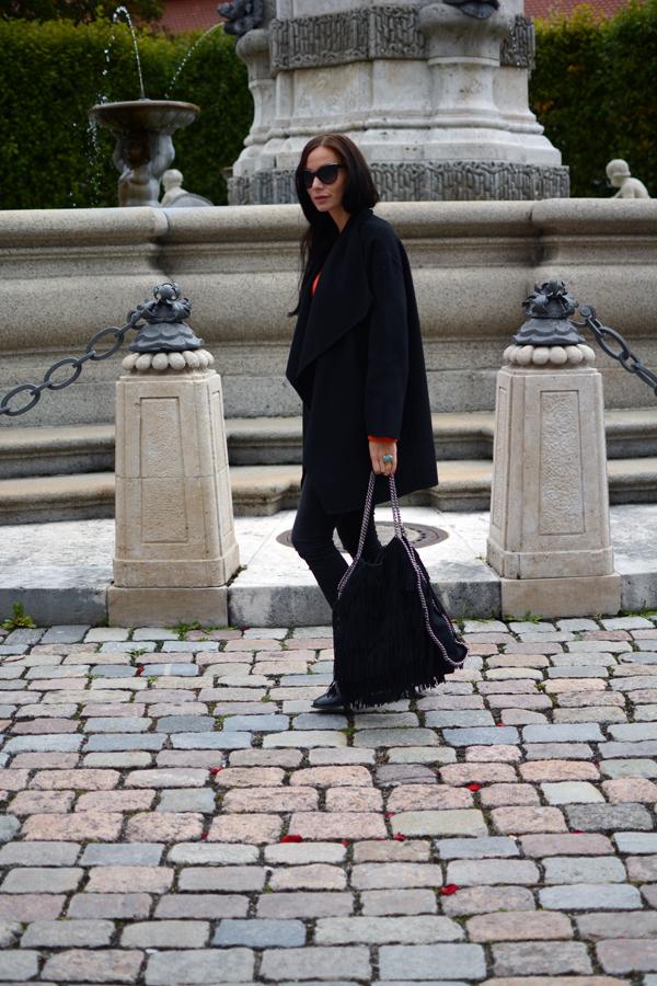 LamourDeJuliette_Hermes_Orange_Cashmere_Winter_Outfits_Fringe_Boots_022