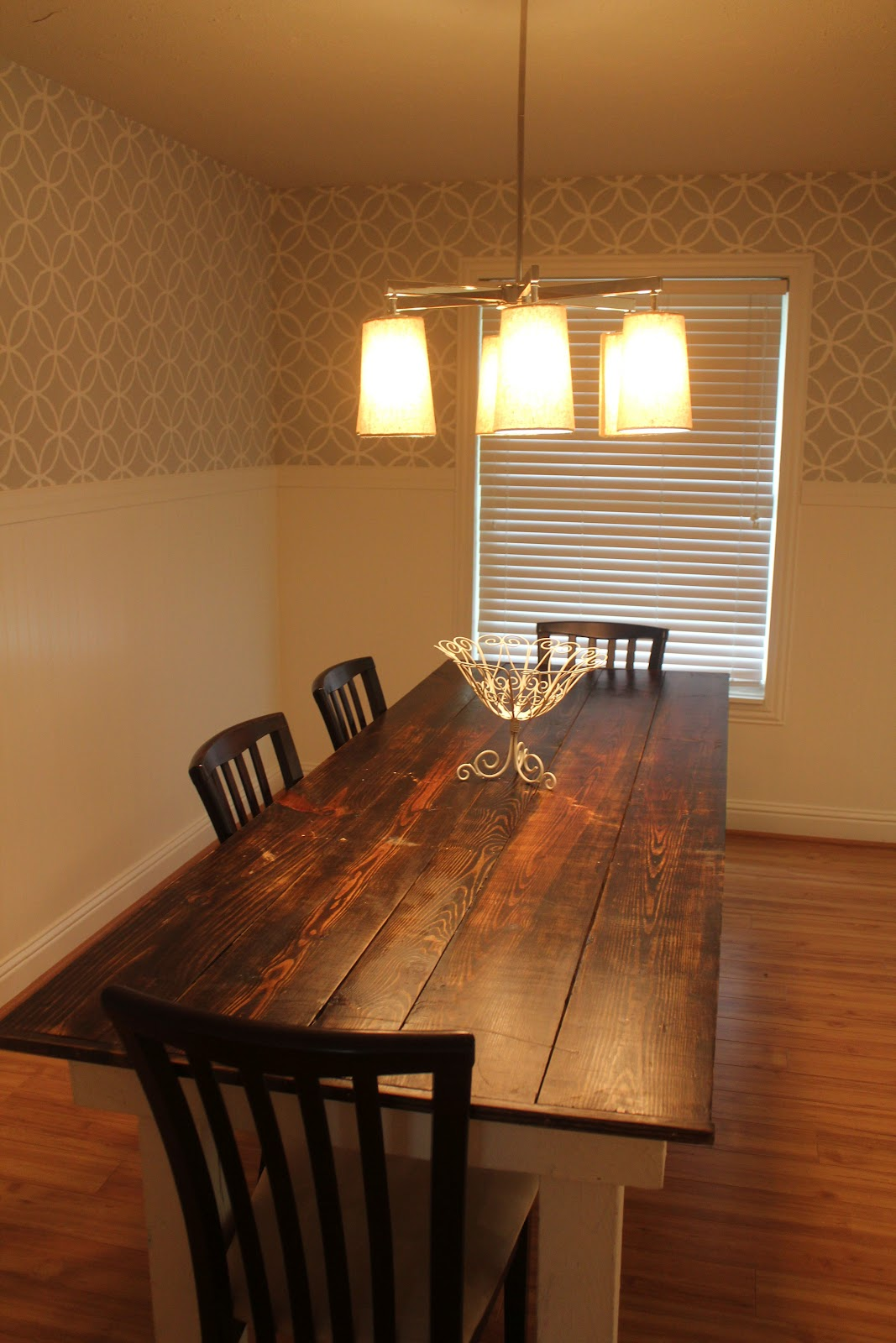 fresh and fancy stenciled dining room walls
