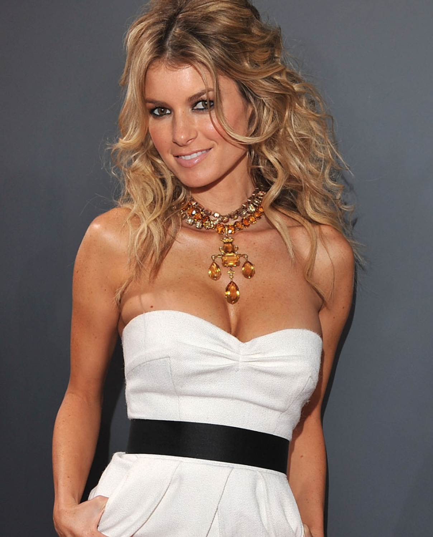 http://3.bp.blogspot.com/-gKVCsL_Iy1Y/UNTgFjzGrQI/AAAAAAAAA1w/MoIjsBaZUsM/s1600/Marisa+Miller.jpg
