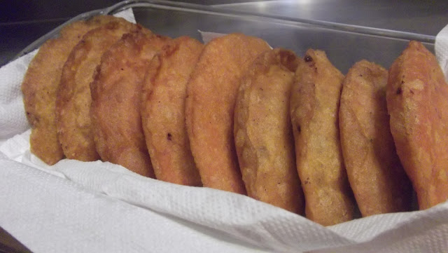 Empanadas o empanadillas sin gluten rellenas de carne vegetal