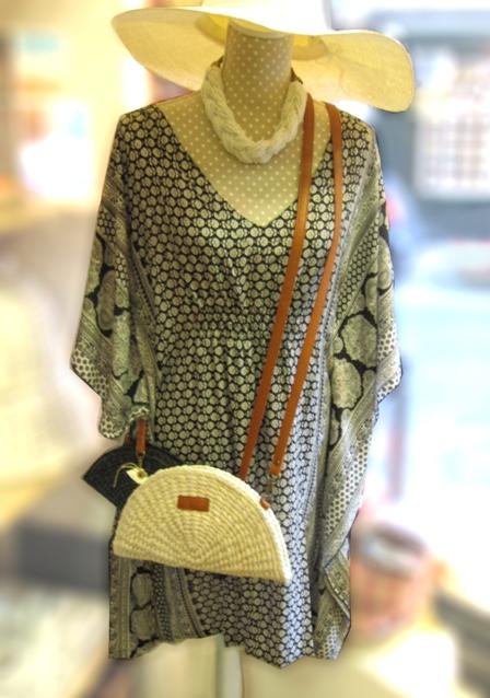 vestido-bolsos-sombrero-rafia