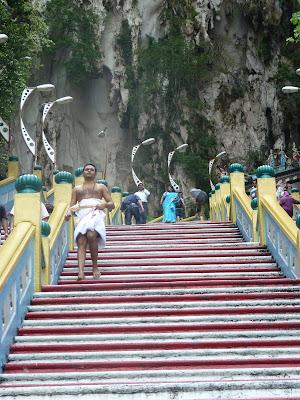 Un hindú en las batu caves