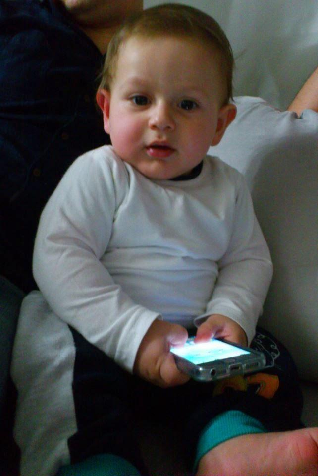 telefonlu bebek