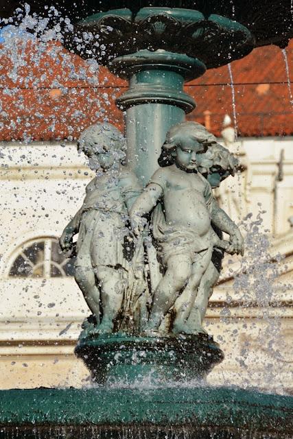 Rossio Square Lisbon water