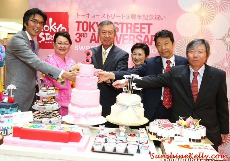 Cake Cutting Ceremony, Tokyo Street 3rd Anniversary Sweetest Celebration, tokyo street, japan, pavilion kl, kuala lumpur, sweetest celebration, japan culture, Kocyou No Mai, Yosakoi Bushi, Kagami Biraki