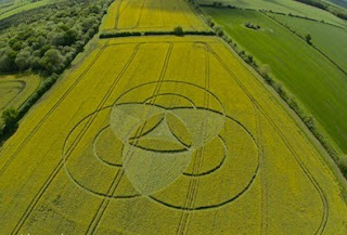 Crop Circle reportado en Hannington - 7 de mayo 2011